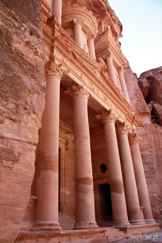 siedem cudów świata art of travel podróże petra jordania