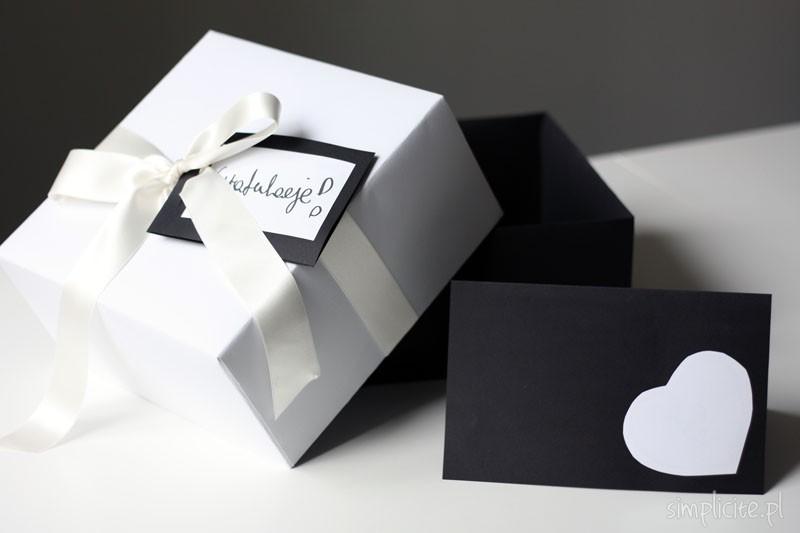 Modne ubrania Wakacyjne DIY: pudełko na prezent ślubny + kartka ślubna - Simplicite FD71