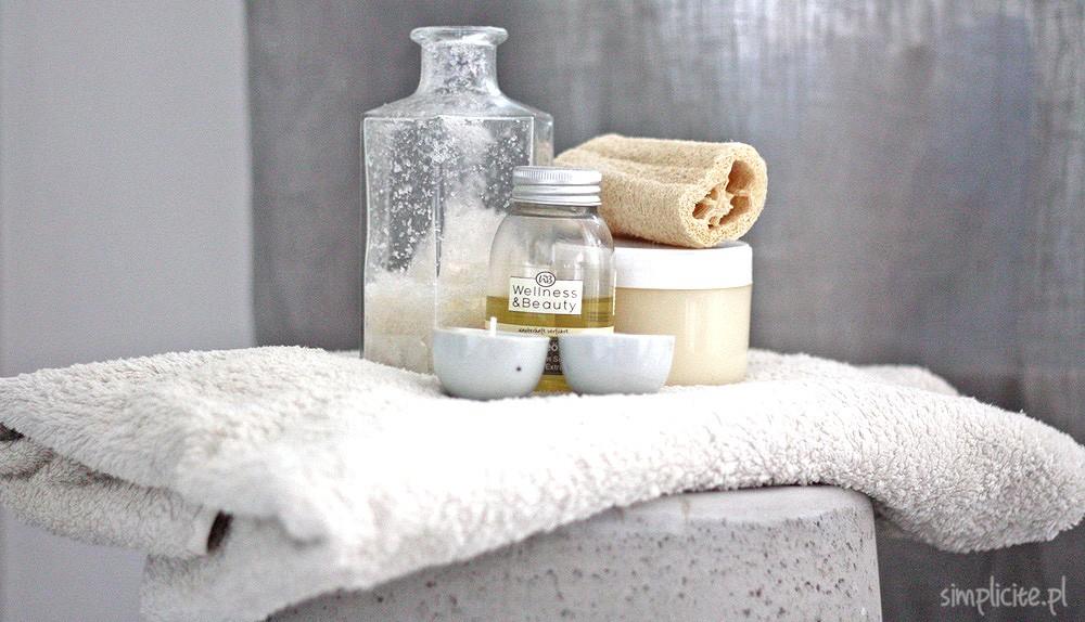 toaletka-minimalistki-pielegnacja-ciala-4