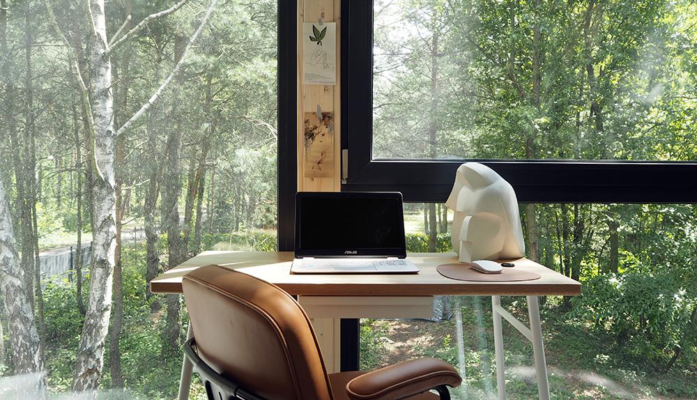 Jak urządzić wielofunkcyjne biuro w domu?